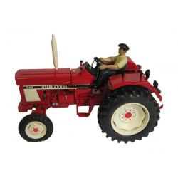 Tracteur CASE IH 644 avec...